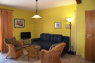 Das Ferienhaus befindet sich in einer kleiner Ferienanlage im Seebad Bansin OT Alt Sallenthin in einem reetdachgedeckten Haus mit separatem Eingang.