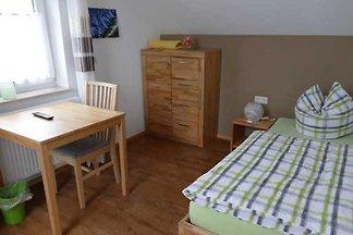 Zimmer 8, DG, EZ