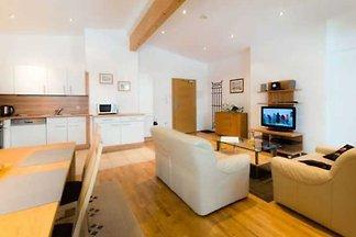 Apartment - 2 Schlafzimmer, 2 Bäder, Balkon, ...