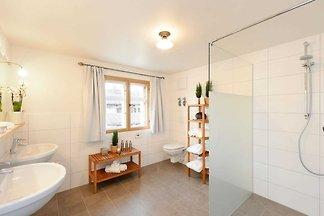 Edelweiss, 250qm, 6 Schlafzimmer, 3 Bäder, gr...