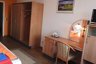 01 Doppelzimmer Kat. I