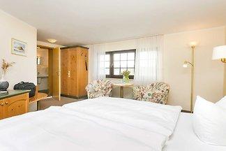 grosses Doppelzimmer mit Seeblick I