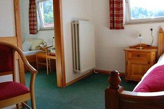 Einzelzimmer mit Nebenraum