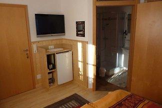 Doppelzimmer für 2 Personen 1