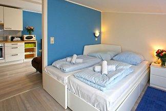 3 Raum Appartement mit Balkon