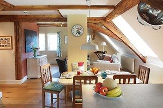 Dachgeschosswohnung mit Spitzboden bis 5...