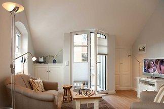 Schöne 2-Zimmerwohnung mit ca. 39 m² Wohnfläche, für bis zu 2 Personen  Dieses gemütliche Feriendomizil liegt auf einer Ebene im ersten Obergeschoss einer bezaubernd restau...