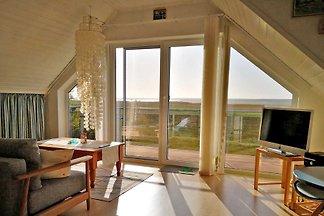 DieFerienwohnung mit separatem Zugang befindet sich im OG eines Ferienhauses auf einem 700 qm grossen Erholungsgrundstück innerhalb einer kleinen Ferienhaussiedlung direkt am...