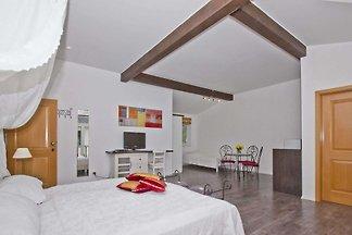 06: 42 m², 1-Raum, 2 Pers., Garten, WL
