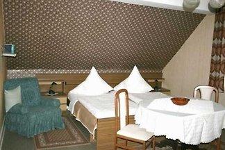 Doppelzimmer 02 Dusche und WC gegenüber