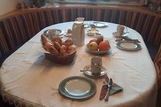 Komfortzimmer mit Balkon und Frühstück