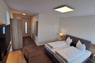 Doppelzimmer im Erdgeschoss auch als Einzelzi...