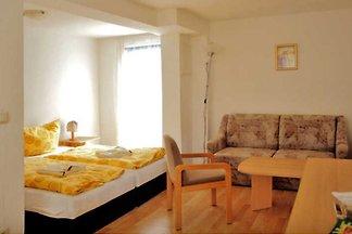 09 - Doppelzimmer mit Terrasse