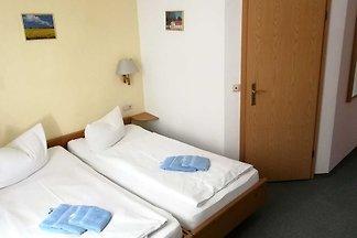 Doppelzimmer.2