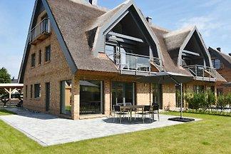 exklusive Reetdach Villa nur 500 Meter bis zu...