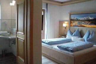 Doppelzimmer mit DU/WC und Balkon und TV im Z...