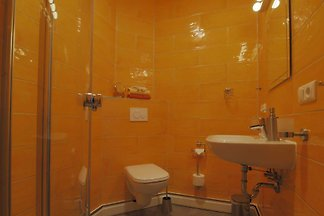 Gelbes Apartment