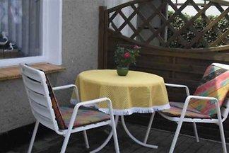 (92) 2- Bett-Zimmer- Karl-Risch-Strasse 7