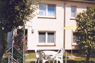 (52) 2- Raum- Ferienwohnung- Karl-Risch-Stras...