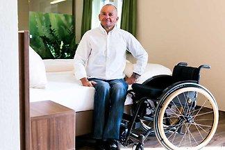 Rollstuhlgerechte Gartensuite mit Terrasse