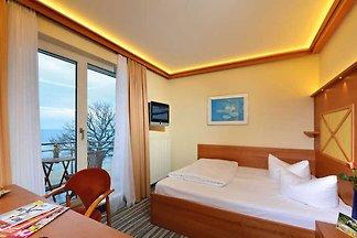 Einzelzimmer mit Balkon und Meerblick