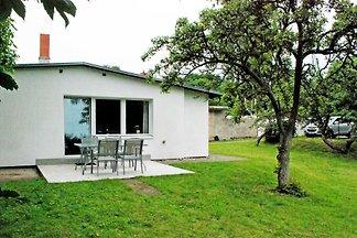 Ferienbungalow mit grossem Garten im Ostseeba...