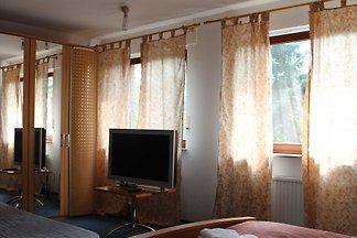 Zimmer 5 Familienzimmer mit Badewanne