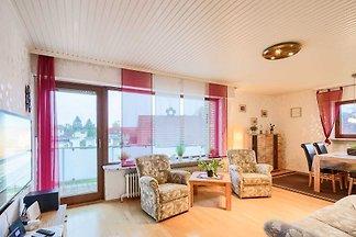 Willkommen im Haus Sonnenblick! Die gemütlich eingerichtete 3 Zimmer Wohnung mit 2 separaten Schlafzimmern liegt nur wenige Gehminuten vom Strand sowie zahlreichen...