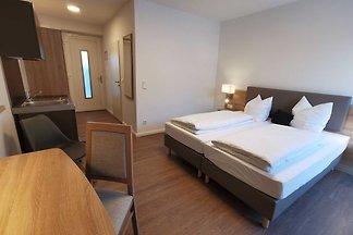 Doppelzimmer mit Küche im EG auch als Einzelz...