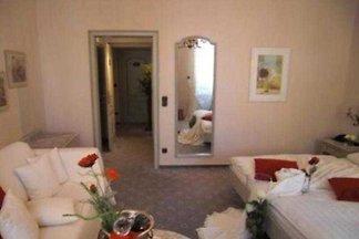 Doppelzimmer, Zimmer 1