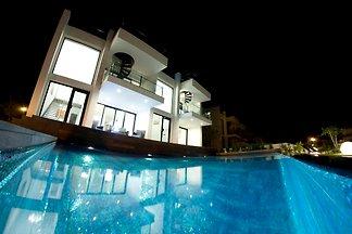 VIP-Villa Alcanada