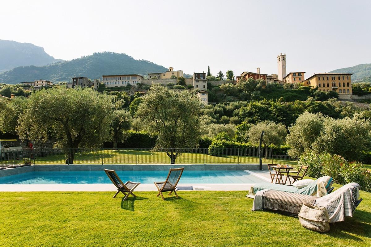 pelaca code pool see in der n he ferienhaus in gargnano. Black Bedroom Furniture Sets. Home Design Ideas