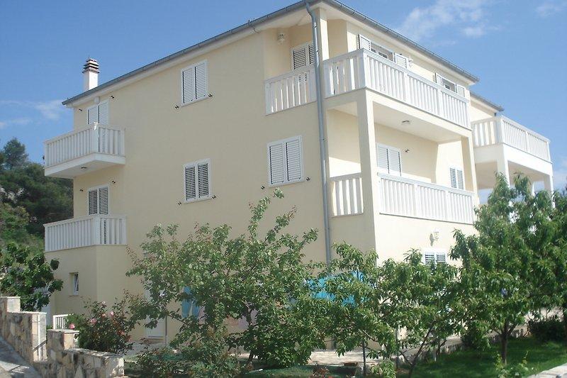 Seitenansicht Villa Lovric