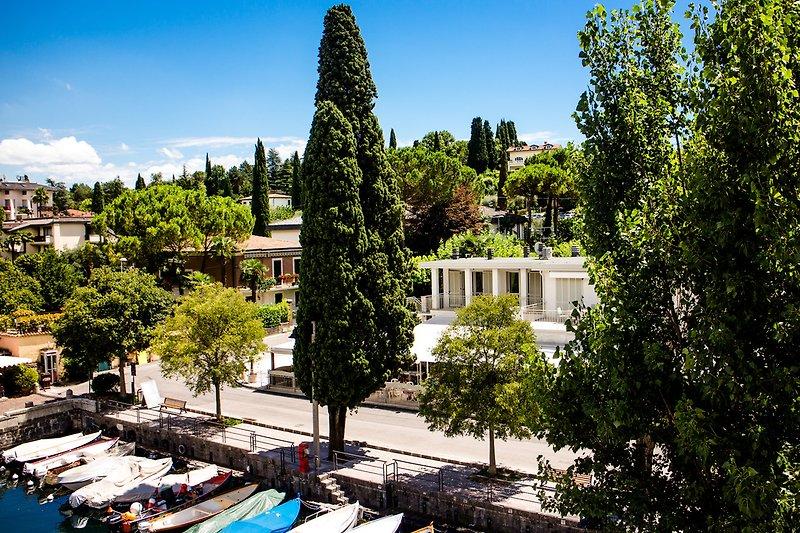 Apartamento en el lago con terraza en San Felice del Benaco - imágen 2