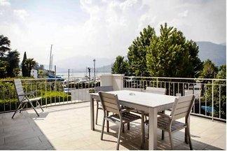 Apartment mit Seeblick und Terrasse