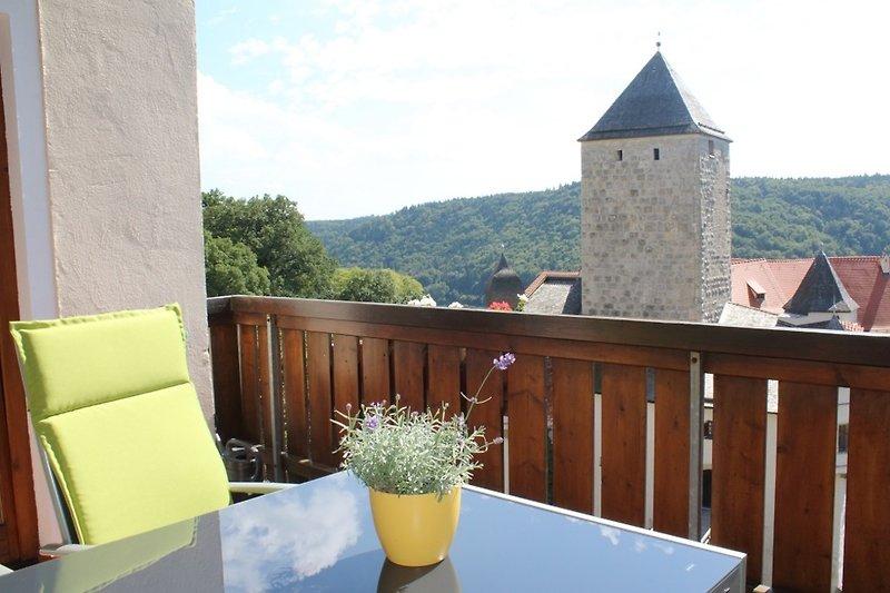 Blick auf Burg Prunn vom Balkon