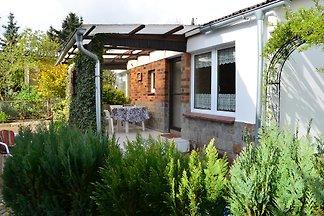 Salzhaff 5 km, Ostsee 10 km, perfekt für Familien mit Kindern  Max. 5 Personen, 1 Schlafzimmer, Küche, Bad, Garten, überdachte Terrasse