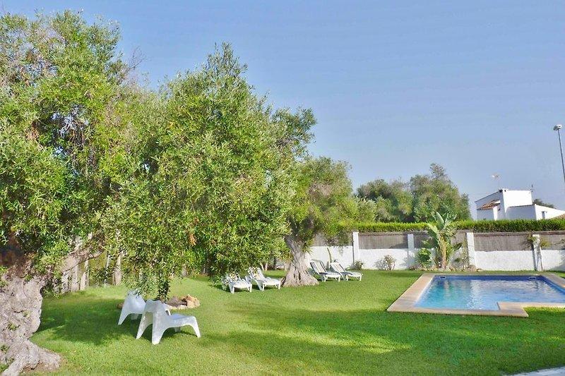 Ferien in stilvoller Villa mit Privatpool und sehr großem Garten