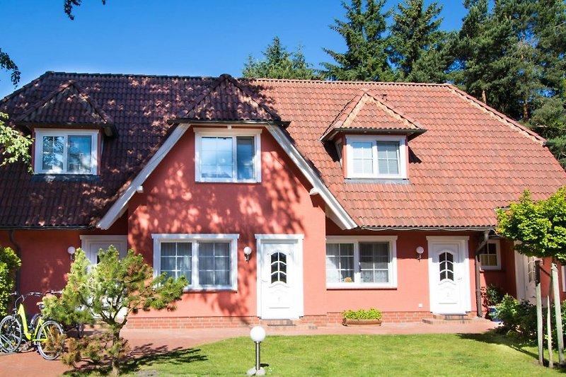Ferienhaus Dierhagen: im Bild rechts.
