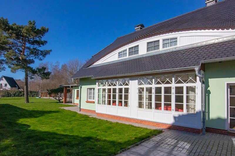 Landhaus Brise: Blick in den Garten.