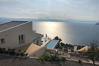 Villa Infinitum with sea view