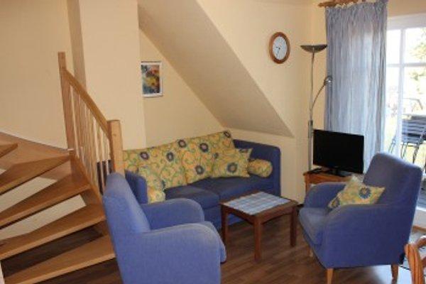 Wohnzimmer und Treppe zum Schlafzimmer