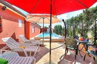 Ferienhaus Melita mit Pool