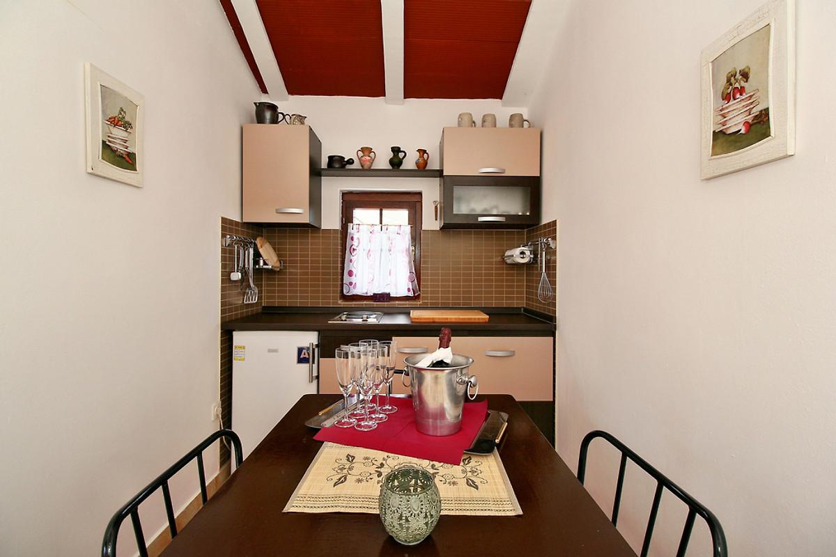 Unere Kleine Sommerküche In Grillhaus