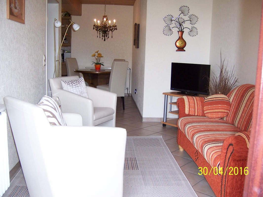 ferienwohnung mit charme 50 qm ferienwohnung in carolinensiel mieten. Black Bedroom Furniture Sets. Home Design Ideas