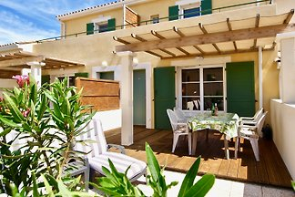 Holiday house in Narbonne-Plage, 6 minutes walk from the beach, dogs allowed, free wifi, secured parking with electric gate, bike, hiking and. Biking tours available at the house