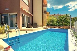 Sara - Luxus-Apartment mit dem Pool