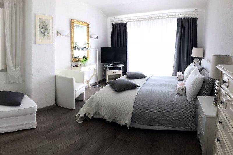 Schlafzimmer 1 pano