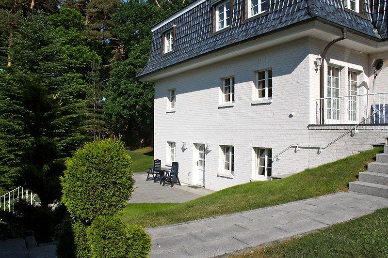 Herzlich willkommen: Ihr Doppelzimmer mit Terrasse.