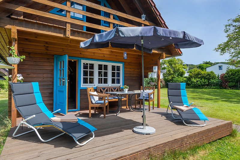 Ferienhaus Sommerfrische: möblierte Terrasse.